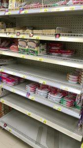 震災1週間後のスーパーの様子