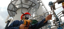Количество аварий на газопроводах в России подскочило вдвое.Увлеченный строительством трубопроводов в Европу и Китай «Газпром» резко сократил ремонтные работы внутри России.
