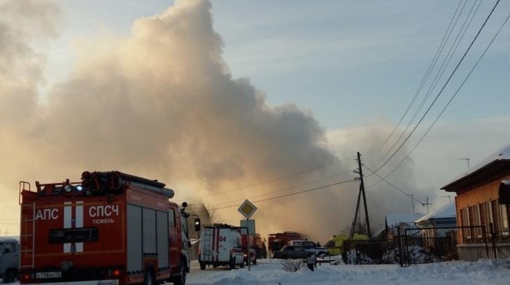 """""""Девочку из огня вытащили селяне"""": под Ишимом сгорел дом из-за взрыва газа"""