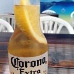 レモンと一緒に! さっぱり美味しい「コロナビール」で梅雨を乗り切りましょう