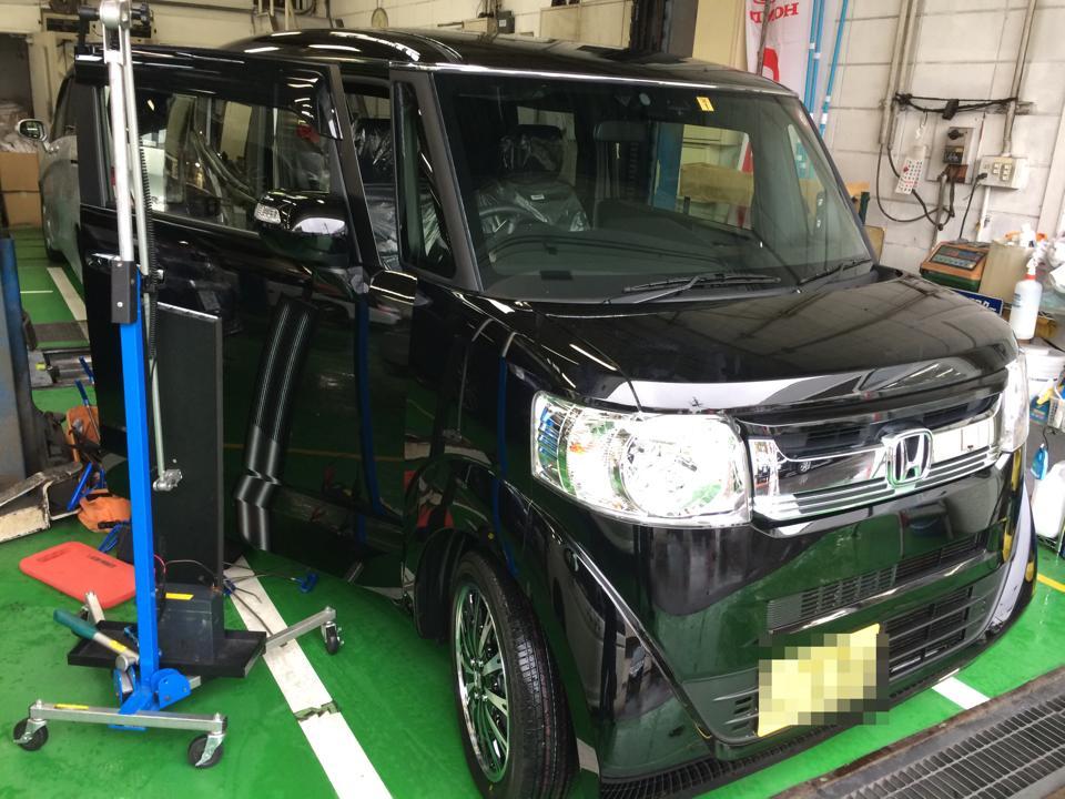 Honda N-BOX SLASH ホンダNボックス スラッシュ 板金塗装しない自動車のヘコミ修理