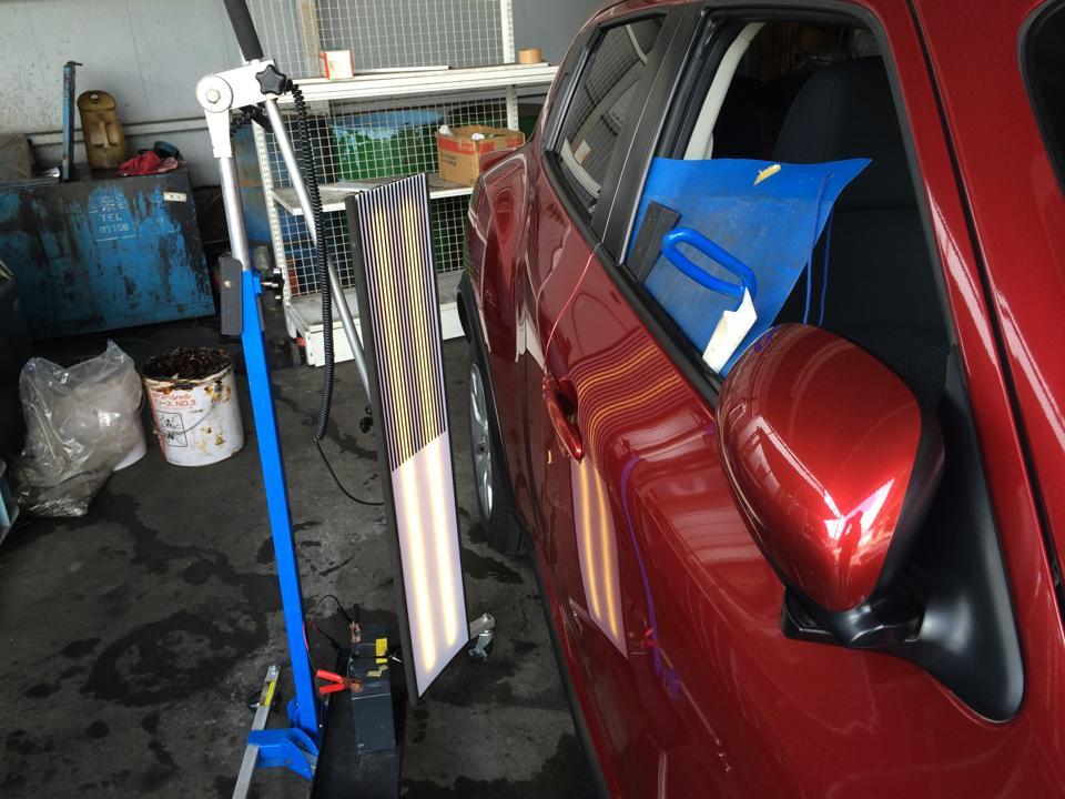 ニッサン ジューク 右Fドアのヘコミ修理