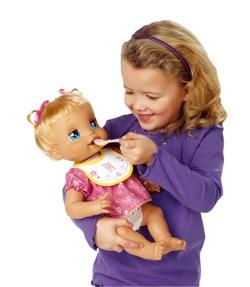 niña con regalo cuentos cortos para niños