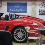 真っ赤なポルシェと真っ赤なフェラーリ