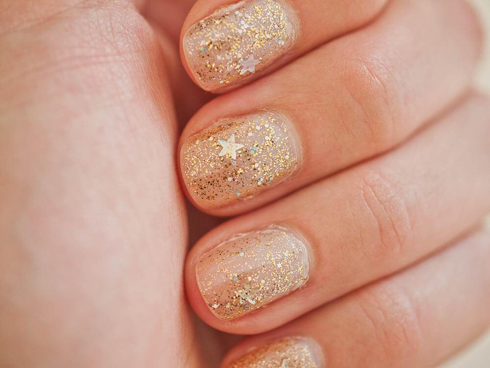 star-glitter-nails