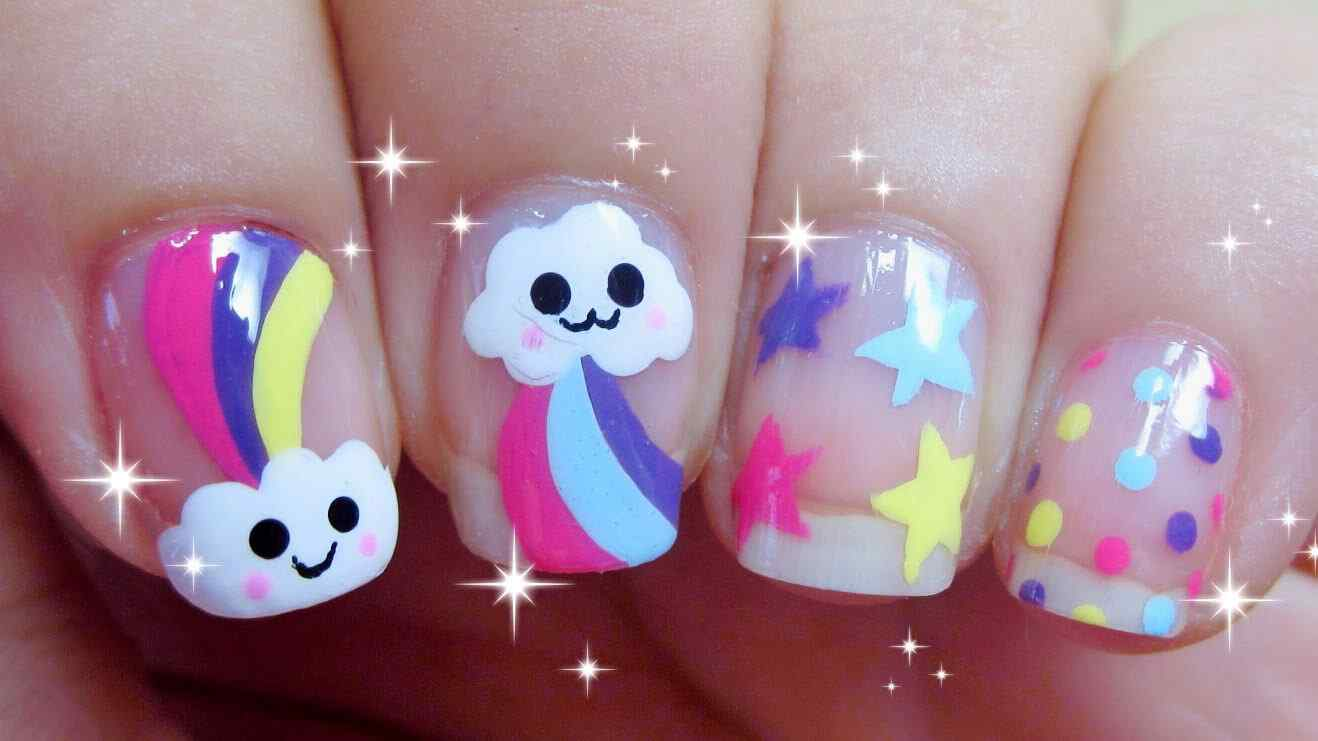 Nail art Kawaii de nubes y arcoiris  UAS DECORADAS