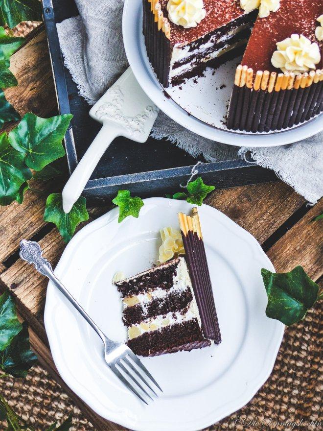 saftige Schokoladen Cappuccino Torte mit Birnenmix