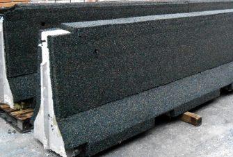 Barreras de contención fabricados con materiales reciclados
