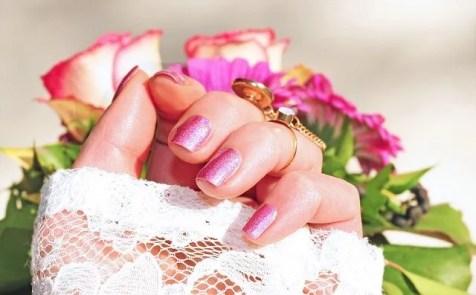 Diseños de uñas tipo brillo