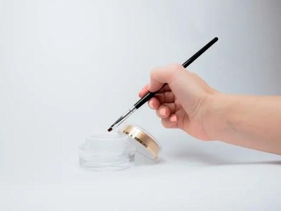 como se ponen uñas de gel de diferentes tipos