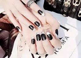 ejemplos de uñas permanentes negras