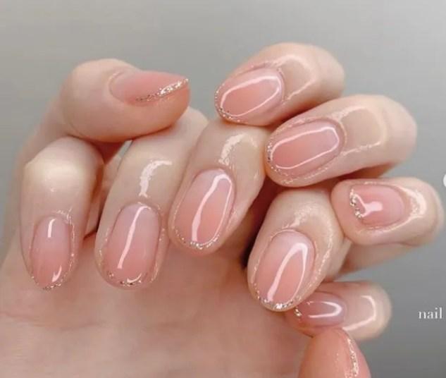 diseños uñas diseño rosa ovalado