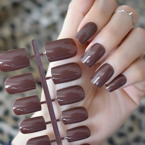 EchiQ Uñas falsas marrón marrón café con efecto UV uñas falsas uñas de longitud media cuadrada ABS artificial