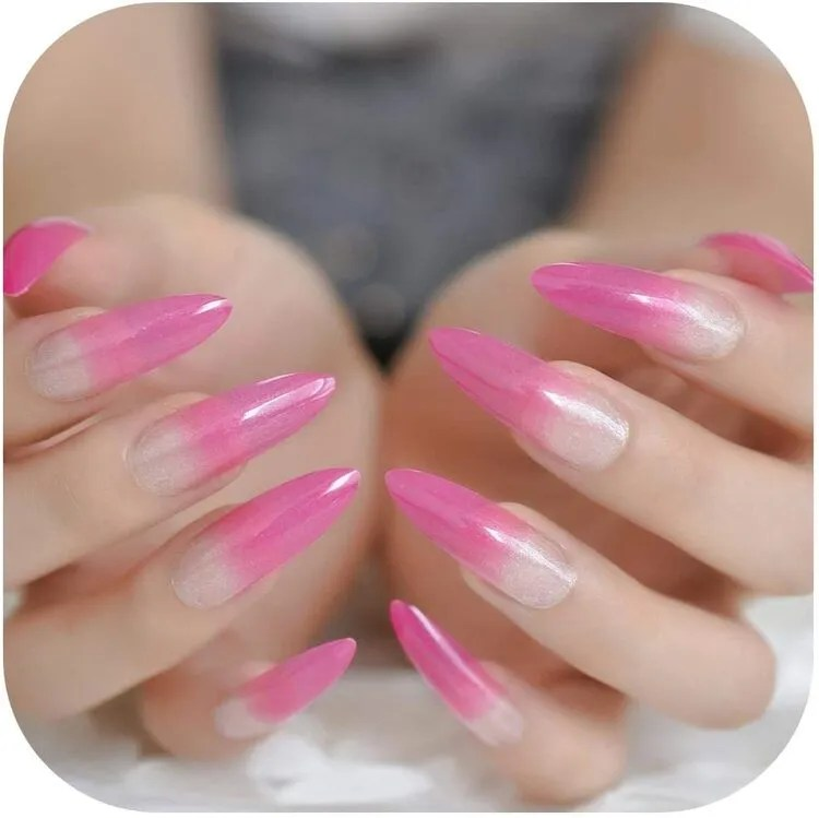 uñas extra larga color rosa forma de V ovalado