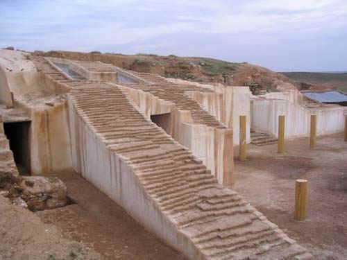 Развалины зиккурата в городе Эбла
