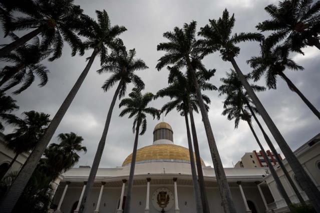 Parlamento estima en más de 160.000 millones de dólares la deuda de Venezuela