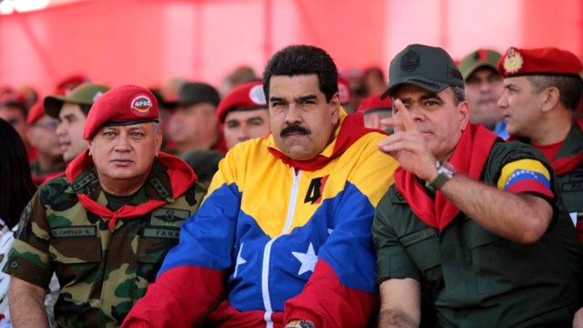 «No more Trump»: la campaña del chavismo que obliga a firmar a los integrantes de la Fuerza Armada venezolana