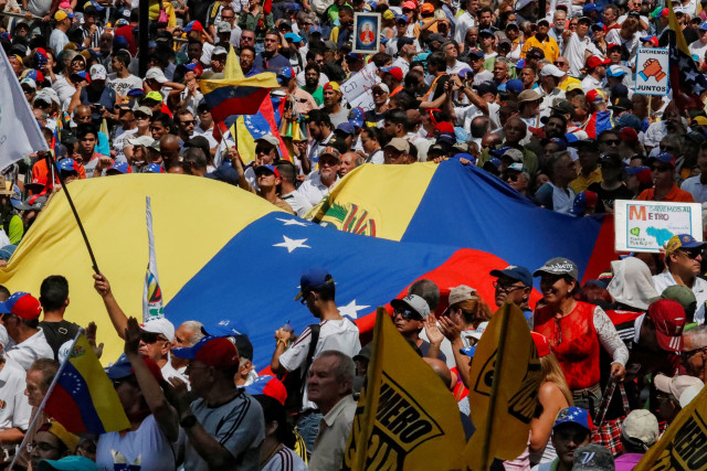 Oposición venezolana se mantendrá en protesta permanente esta semana #18Nov