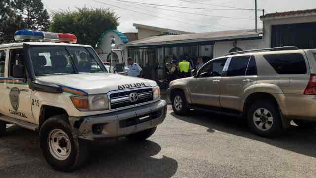 Trío sometió, amordazó y robó electrodomésticos y camioneta a familia en Club de Campo