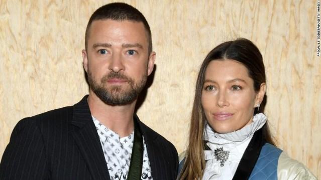 Justin Timberlake se disculpa con su esposa Jessica Biel después de que fue fotografiado tomando la mano de su coprotagonista