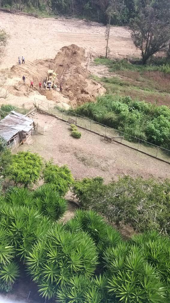 Cientos de familias carrizaleñas sin agua tras fractura de tubería matriz