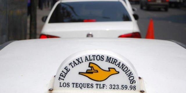 Taxistas en Los Teques hacen carreras a cambio de comida