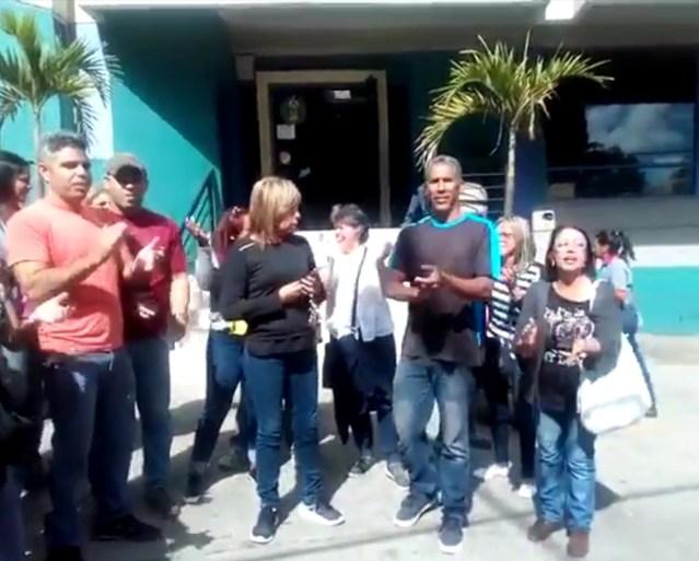 Tequeños protesta frente a Hidrocapital tras cuatro semanas sin recibir agua