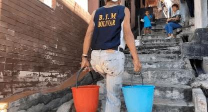 Una Caracas sin agua intenta contener la expansión del coronavirus