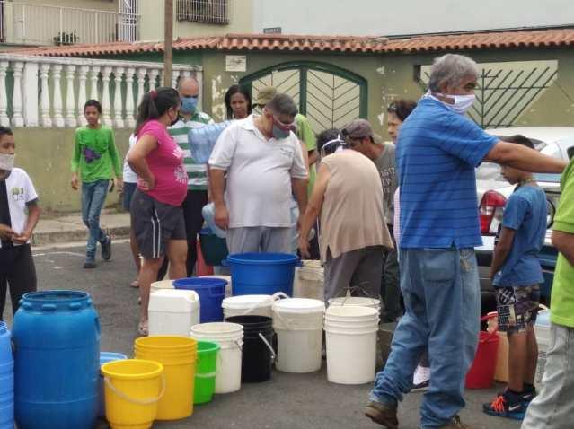 Operativos con cisternas no logran «calmar la sed» en comunidades tequeñas