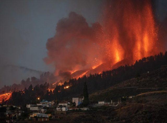 Número de evacuados por erupción volcánica en La Palma ascendió a 6.000