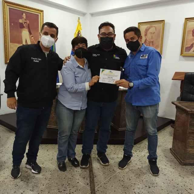 Entregan reconocimientos por años de servicio a trabajadores del Consejo Municipal de Los Salias