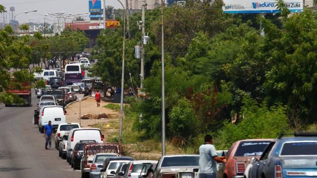 El caos se apodera de las estaciones de servicio para surtir gas en Venezuela