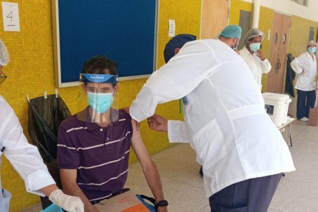 Comenzó la vacunación contra el covid-19 de trabajadores de la UCV
