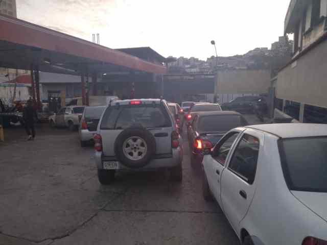 «Poca gasolina», E/S El Cabotaje atenderá este #8Oct solo 60 carros tras recibir poco combustible