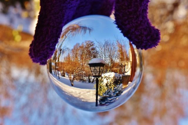 glass-ball-1972211_1920