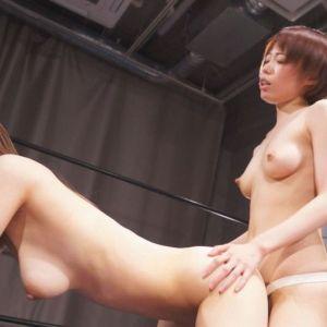 川菜美鈴と二宮和香が全裸キャットファイト!ペニバンファックで乳尻震わせイキまくり!!