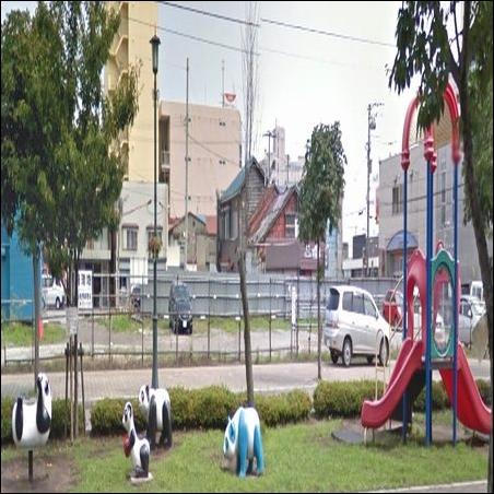 函館 GLAY スポット.com 写真 画像 JIRO 和山義仁 GLAY 古郷 故郷 函館市 はこだてグリーンプラザ Aブロック 速いぜパンダ丸 月光仮面像 公園 遊戯施設 遊び 子供 親 家族 両親 地元 思い出 象徴