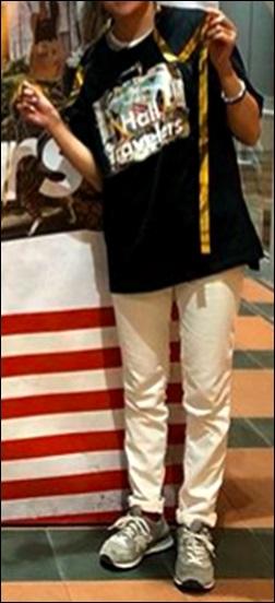 """バンドTシャツ ラババン トレーナー バッグ スカート ファン 服装 コーデ ファッション 会場 撮影 写真 画像 禁止 ルール 規則 ライブ ライヴ コンサート 遠征旅行 Official髭男dism ヒゲダン オフィダン 声援 シンガロング 合唱 コールアンドレスポンス 手拍子 合いの手 振り付け 持ち物 手荷物 荷物 置き場所 方法 やり方 手段 ステージ プロジェクター スクリーン チェックリスト 確認 注意点 ライブ 持ち物 荷物 手荷物 服装 マナー ルール 規則 ロゴマーク Mrs. GREEN APPLE ミセスグリーンアップル ミセス ヤバイTシャツ屋さん ヤバT フェス 公式 オフィシャル バンT バンドTシャツ ハーパン ショートパンツ ボディバッグ 身体 前面 出待ち メンバー 記念撮影 ラババン 腕時計 スニーカー ディッキーズ 物販 アイテム ステージ 照明 ギャグ 秋元真夏 乃木坂46 ハーフパンツ タオル 完売 売り切れ グッズ オフィシャル 演奏 ライヴ ジーンズ Tシャツ ステージ セット 楽器 終演後 会場内 景色 危険 危ない 中央 前方 セキュリティ スタッフ フロア 開演前 混雑 盛り上がり 撮影 ファン 読者 質問 相談 ヤバいTシャツ屋さん ヤバT ロックバンド ファン BKW勢 まとめ 説明 紹介 お願い マナー 禁止 ルール メンバー 煽り サークルモッシュ リフト ダイブ モッシュ サークル アクセサリー アクセ ネックレス 長い キャップ 帽子 コール かけ声 フリ 振りつけ 振り付け ダイブ モッシュ サークル サークルモッシュ 危険 持ち物 手荷物 荷物 立ち位置 場所 中央 前方 横 わき 壁際 後方 公式 オフィシャル 商品 スキニー パンツ タイツ 半袖 バンT 長袖 ロンT ガウチョパンツ ハーフパンツ ハーパン トレーナー ジャンパー 半袖 フェス Tシャツ タオル BKW 番狂わせ ファン グッズ アイテム オーラル オーラルシガレッツ THE ORAL CIGARETTES ジオーラルシガレッツ Crossfaith クロスフェイス CF HEY-SMITH ヘイスミス ヘイスミ 読者 問い合せ 質問 相談 フォーム ボタン"""" alt=""""HEY-SMITH ヘイスミス ヘイスミ 読者 問い合せ 質問 相談 フォーム ボタン SiM シム レゲエパンクロックバンド 写真 動画 撮影 許可 貼り紙 告知 アナウンス 情報 アクセ アクセサリー メガネ 眼鏡 ネイル 爪 特定 曲 コール かけ声 フリ 振りつけ 振り付け 習慣 初心者 女性 ポジション 場所 位置 レギンス タイツ 長袖 Tシャツ スニーカー 靴下 ハーフパンツ ハーパン ジーンズ ジャケット グッズ トレーナー ファン 服装 例 サンプル 意見 発表 Masato マサト 早川雅人 Masato David Hayakawa 撮影 画像 写真 録音 録画 コールドスプレー 冷却 効果 アイシング coldrain コルレ ルナフェス 2015年 爪 ネイル 長さ 注意 写真 画像 動画 撮影 録音 録画 声援 叫び声 絶叫 シンガロング 合唱 コール かけ声 フリ 振りつけ 定番 固定 バンT バンドTシャツ グッズ アイテム 04LS フォーリミ フォーリミテッドサザビーズ 04 Limited Sazabys 読者 問い合せ 質問 相談 フォーム ボタン 10-FEET 10FEET テンフィート クレーム 大炎上 危険性 リスク 可能性 声援 送る 合唱 シンガロング メンバー 名前 呼ぶ 叫ぶ マナー ハーフパンツ ボディバッグ トレーナー ジーンズ グッズ タオル ワニマ WANIMA ファン パーカー 服装 格好 サンプル 例 ディッキーズ Dickies ハーフパンツ ハーパン WANIMA ワニマ ファン 服装 格好 お問い合せ フォーム ボタン MUCC ムック ムッカー 夢烏 MWAM マンウィズアミッション マンウィズ ガウラー ファン ライヴ ライブ コンサート 問い合せ フォーム 連絡 読者 胸の前 身体 身につける 前方 前の方 エリア ゾーン スペース 混雑 危険 盛り上がり ライブハウス ライヴハウス 箱 ハコ 荷物 持ち物 北海道 函館市 ライブ ライヴ コンサート 遠征 旅行 観光 旅 GLAY グレイ TERU TAKURO JIRO HISASHI 小橋照彦 外村尚 和山義仁 久保琢郎 YUKI ユキ 磯谷有希 倉持有希 JUDY AND MARY ジュディアンドマリー ジュディマリ JAM ジャム 解散 再結成 理由 原因 準備 用意 マニュアル ノ"""