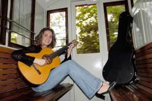 Carmen Becerra guitarrista