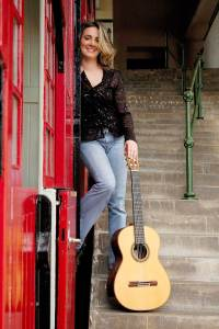 Carmen Becerra guitarra clásica