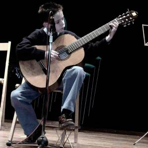 Héitor Amenaza como intérprete solista en el conservatorio