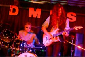 Ian Paice a la batería (Batería y uno de los fundadores de Deep Purple)
