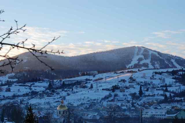Трое лыжников из Одессы заблудились в горах во Львовской области
