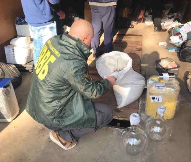 32 задержанных, больше 100 кг наркотиков и оружие: в Одесской области после смерти военнослужащего рассекретили сеть наркодилеров. Фото