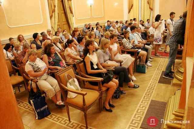 Одесская мэрия берет третий миллиардный кредит за полтора года и снова поможет «тепловикам» деньгами из бюджета