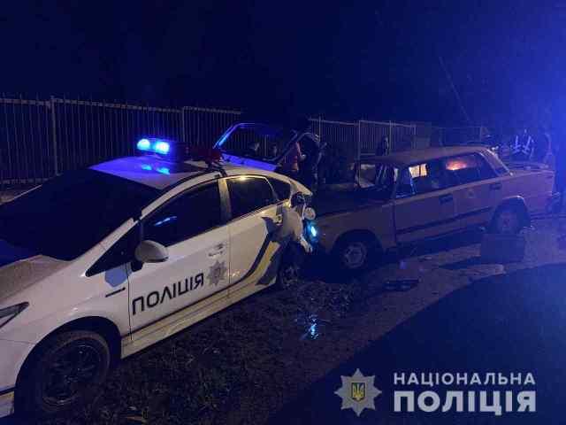 Под Одессой в машину полицейских влетел пьяный на ВАЗе. Фото