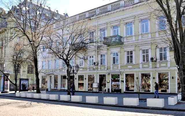 Со второй попытки реставраторы дома Руссова выиграли тендер на ремонт здания «Гамбринуса» в центре Одессы