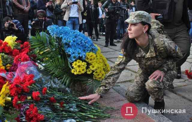 В Одессе отметили День защитника Украины: новый губернатор пообещал установить два памятника. Фото