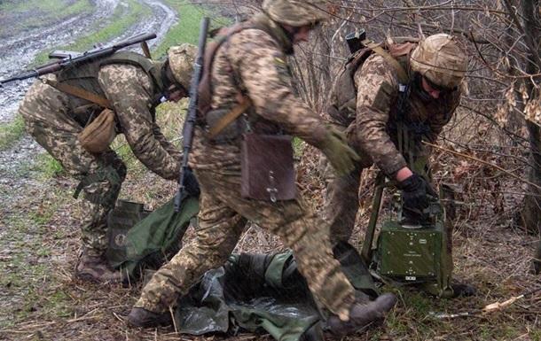 В ООС шесть обстрелов за сутки, ранен военный