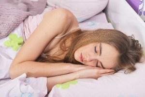 睡眠中の外国人女性6